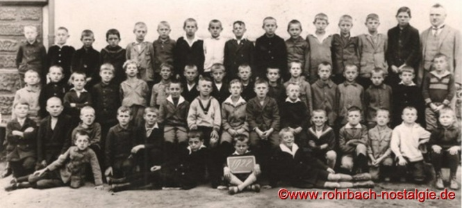 1928 mit Schülern des Geburtsjahrganges 1917