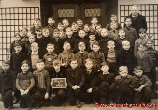 1948 mit Schülern des Geburtsjahrganges 1938