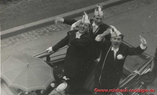 1955 Beim Faschingsumzug Paul Reinhardt, Willi Hausen und Heinz Wadle