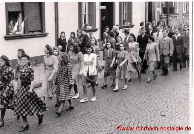 Fröhliche junge Frauen