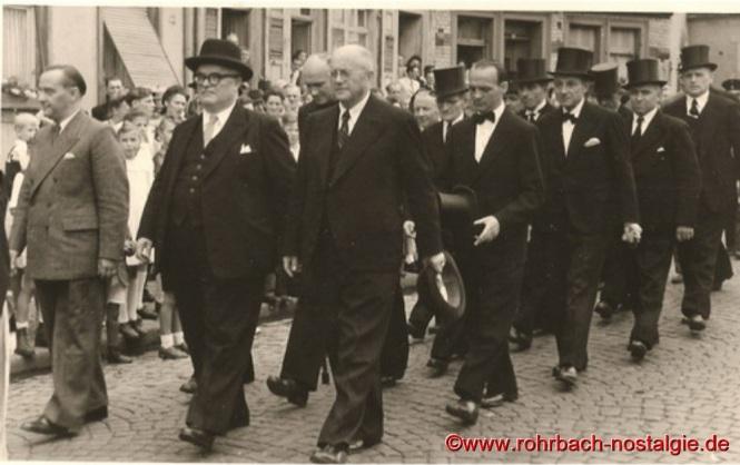 V. links: Landrat Eisel, MP Johannes Hoffmann und Bürgermeister Jakob Oberhauser