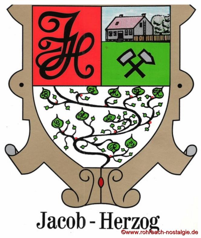 """Dass eine Familie ein eigenes Familienwappen sowie eine Familienhymne besitzt, ist wohl einmalig in Rohrbach. All dies trifft auf den Familienclan """"Die Doppeljäbs"""" zu"""