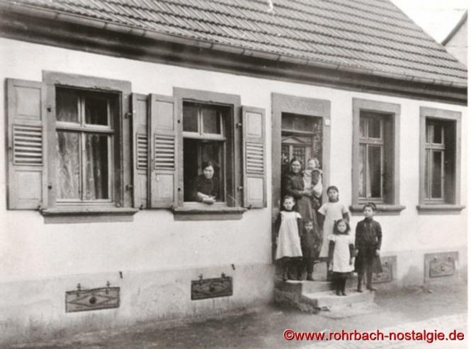 """Um 1904 - Das Wohnhaus von """"Doppeljäbs"""" im """"Ewwerdorf """""""