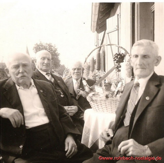 In den 50er Jahren - Auf dem Foto von links: Jakob Wolf - Andreas Hartmann - Jakob Jacob - Johann Roschlock