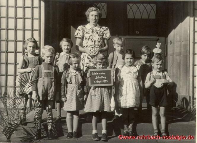 1953 Einschulungsjahrgang 1947 mit Lehrerin Frau Annemarie Höhn