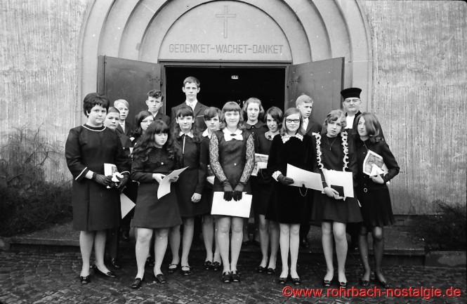 1969 Konfirmation mit Pfarrer Rembe
