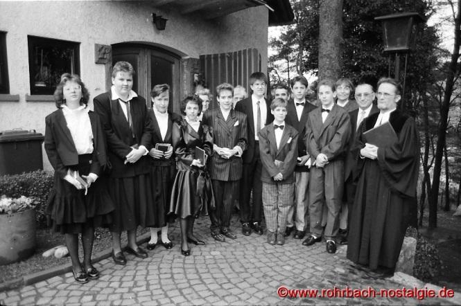 1988 Konfirmation in Rohrbach mit Pfarrer Wittlich