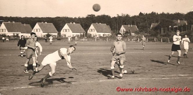 Torwurf von Edwin Gehring in einem Spiel gegen Höchen