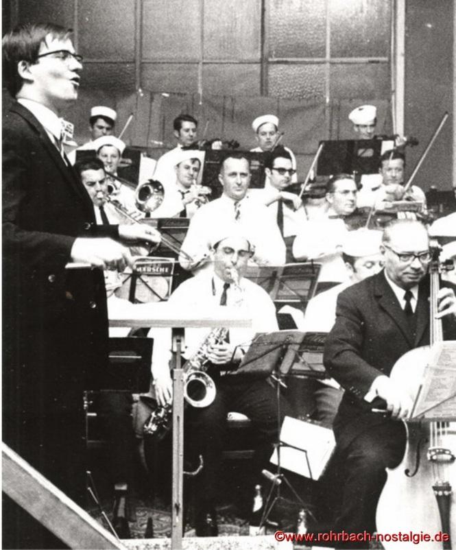 1969 Norbert Feibel ist Nachfolger von Oswald Gehring als Dirigent des Pfarrorchesters