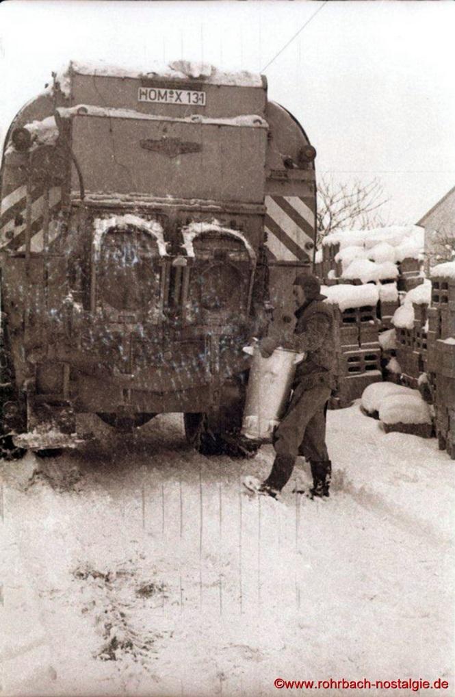 """Ab Januar 1968 übernahm die Müllentsorgungsfirma Molter die staubfreie Müllabfuhr der Gemeinde Rohrbach. Damit war die Müllentsorgungsfirma """"Hase Hannes & Sohn """"Vergangenheit"""
