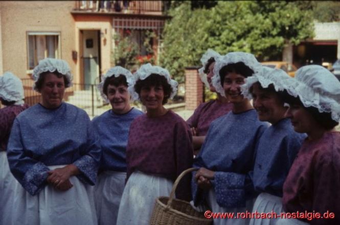 Rohrbacher Waschfrauen (gestaltet von der Hausfrauenabteilung der TG Rohrbach)