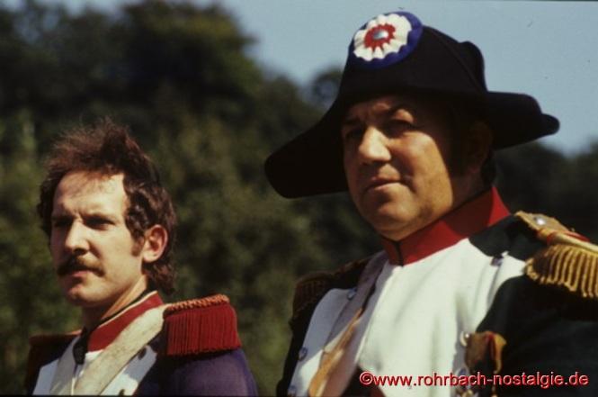 Napoleon reitet durch Rohrbach. Als Napoleon rechts im Bild Ottmar Würtz und Ludwig Kaub