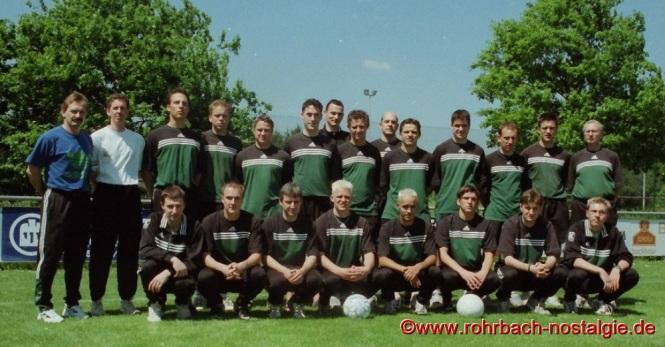 2000 Die 1. Mannschaft mit Trainer Raimund Heß