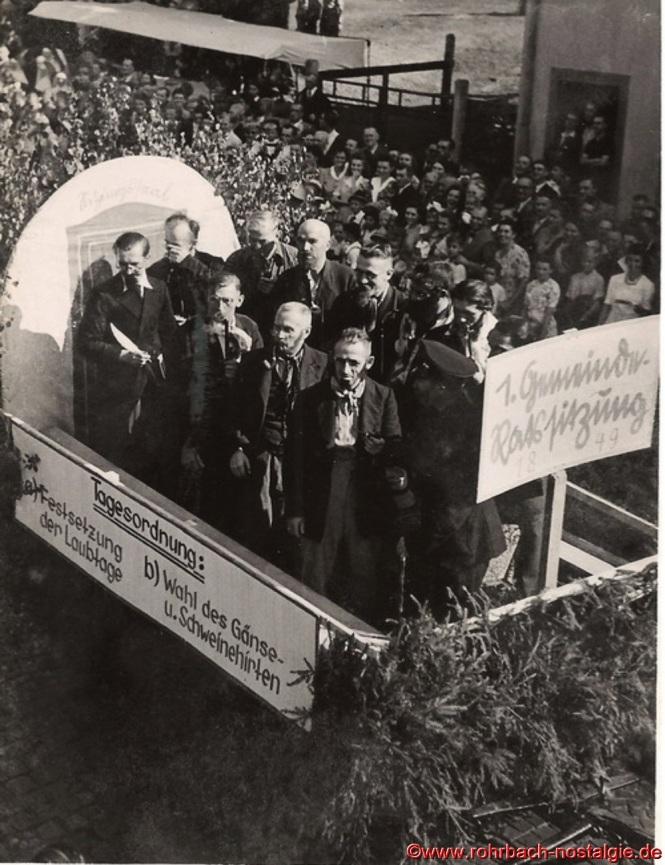 Bei der ersten Gemeinderatssitzung vor 100 Jahren stehen zwei Punkte auf der Tagesordnung: Festsetzung der Laubtage und die Wahl des Gänse- und Schweinehirten