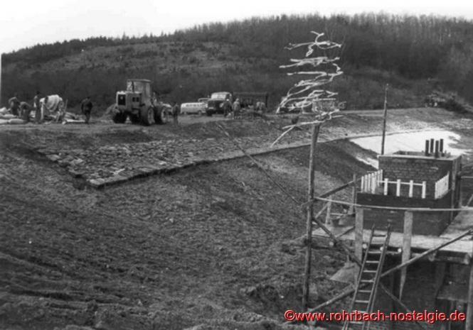 April 1969: Der Weiherdamm wird angelegt