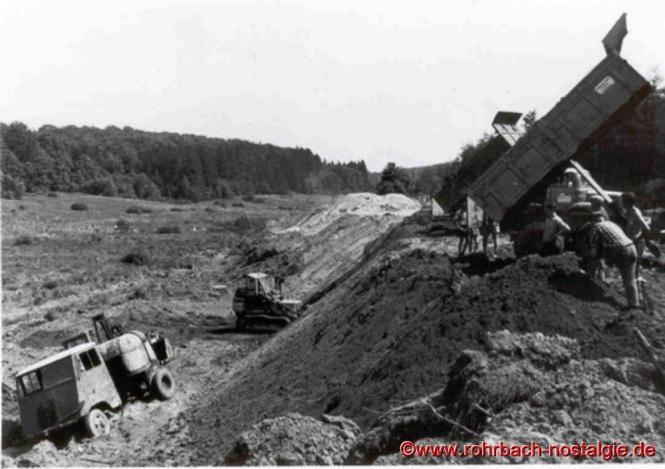 September 1968: Aufschüttung des Weiherdammes