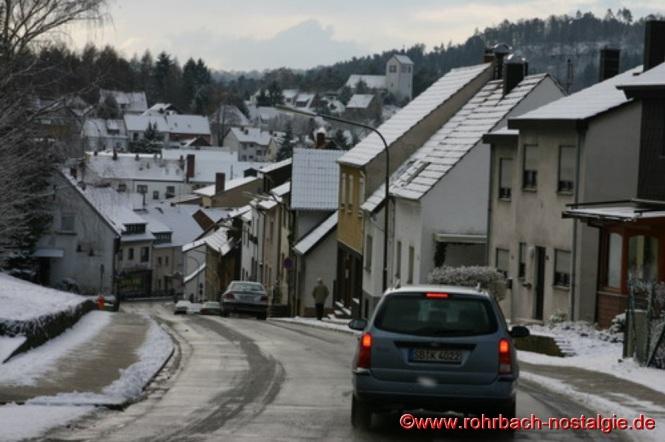 Blick in die Kirchhofstraße Richtung Dorfmitte