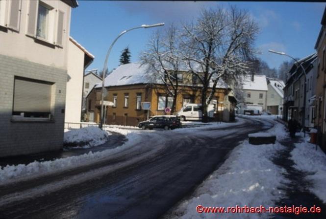 Blick in die Spieserstraße mit der Abzweigung Kirchhofstraße