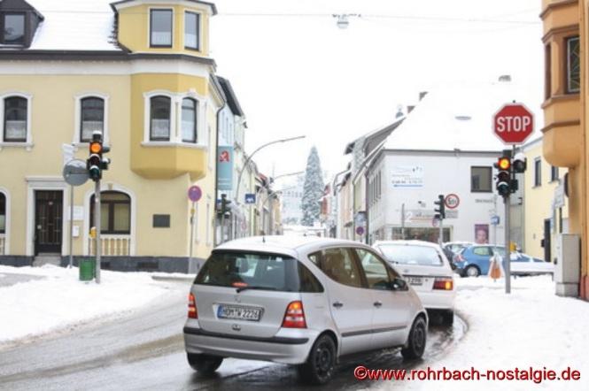 Blick von der Spieserstraße über die Drehscheibe in die Bahnhofstraße