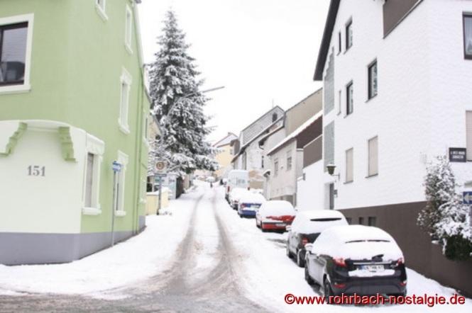 Blick von der Kaiserstraße in die Hochstraße. Links im Vordergrund die frühere Gaststätte Tivoli