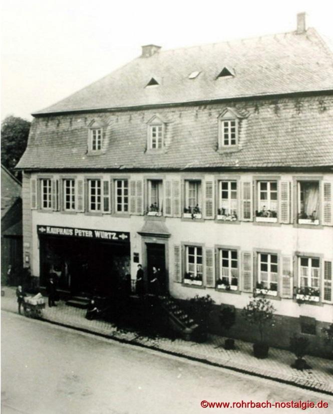 Das Postgebäude erbaut um 1810 war in der ersten Hälfte des 19. Jahrhunderts die Poststation. So sieht es fast heute noch aus