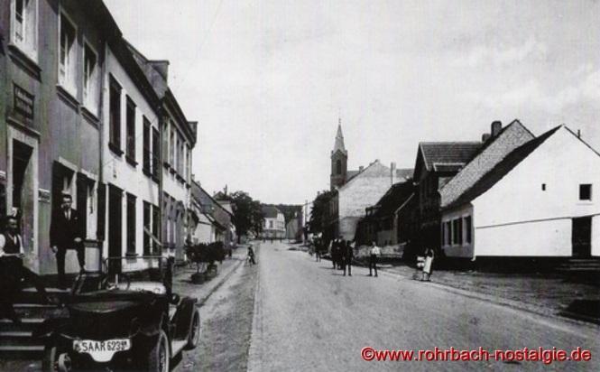Um 1930 - Die Kaiserstraße von der Drehscheibe aus gesehen Richtung Ewwerdorf