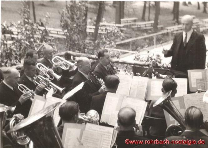 """1948 Musikkapelle Schaar beim ersten Heckel-Waldfest nach dem Krieg in der """"Au"""""""