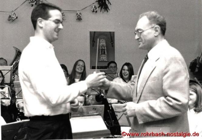 1995 übergibt Karl-Heinz Linn den Dirigenstab an den jungen Carsten Wagner, der vorher das Jugendorchester leitet