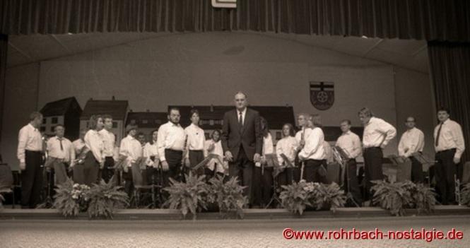 Im Jahr 1980 übernimmt Karl-Heinz Linn den Dirigentenstab von Werner Weißenauer