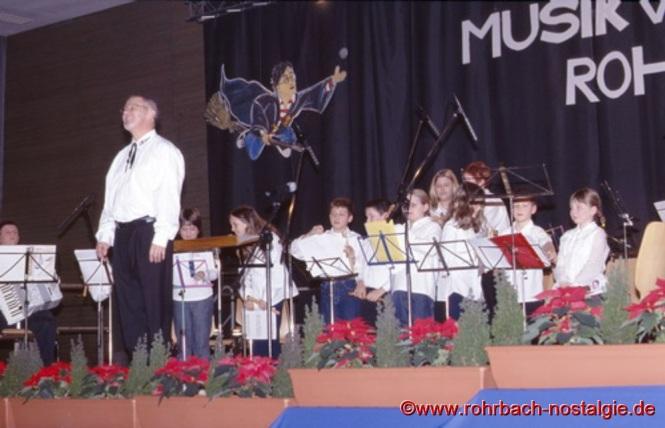 2002 Die Blockflötengruppe mit ihrem Dirigenten Heiner Wagner
