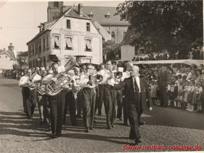 """1949 Kapelle Schaar beim Festzug """"100 Jahre selbständige Gemeinde Rohrbach"""""""
