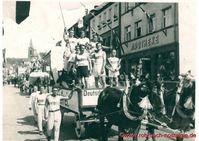 Um 1936 - Umzug anlässlich des Stampesfestes