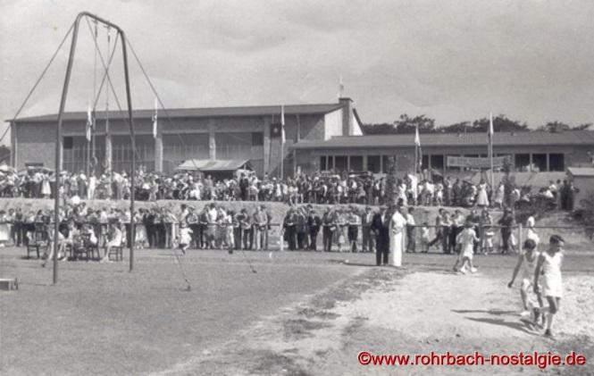 1956 - Aus Anlass der Einweihung der Turnhalle ist der Verein Ausrichter des Gauturnfestes