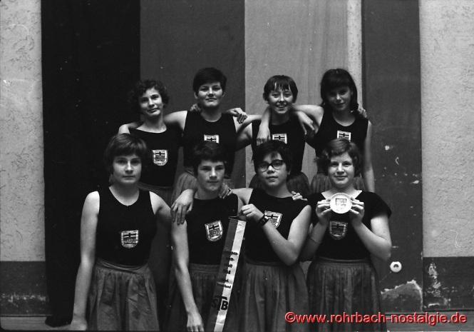 1968 Die Mädchenriege der TG wird Gruppenmeister in Vöklingen