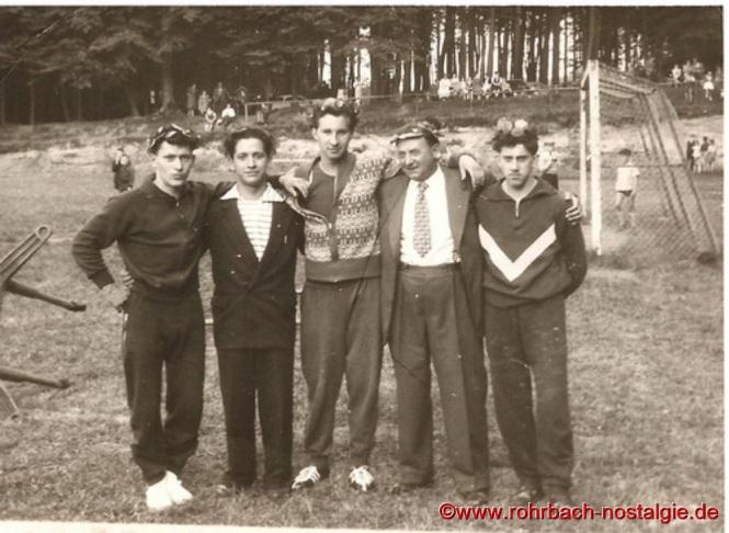 1958 - Erfolgreiche Teilnehmer beim Burgfest in Kirkel. Auf dem Foto von links: Rudi Klam, Werner Wendel, Berthold Michaeli, Franz Blees und Horst Schiehl