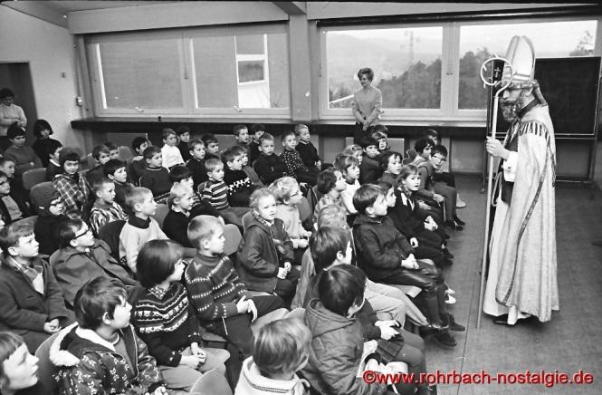 1967 kommt der Nikolaus in die Johannesschule