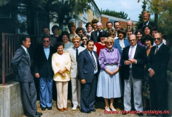 1984 - Das Lehrerkollegium der Johannesschule bei der Verabschiedung der Lehrerin Trudel Thiel in den Ruhestand
