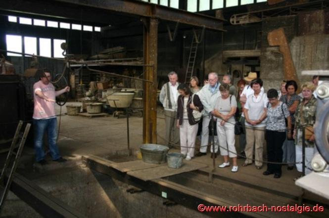 2008 - Die Rohrbacher Heimatfreunde bei der Besichtigung einer Glockengießerei in der Eifel
