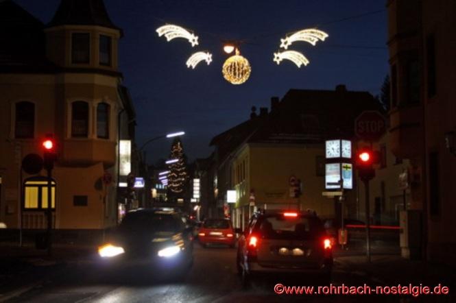 Weihnachtliche Stimmung an der Drehscheibe. (Foto: Walter Gehring)