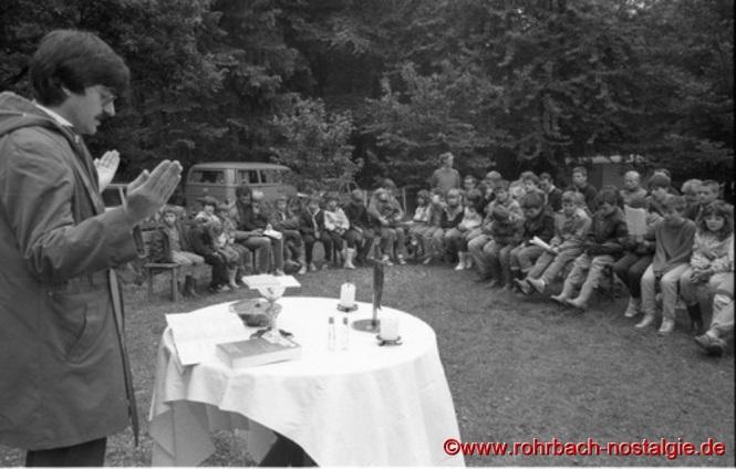 1987 - Gottesdienst am Theodor Jansen Heim beim Pfingstlager