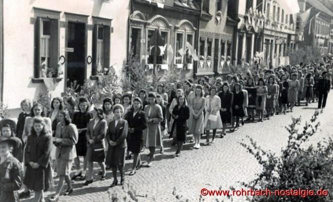 1949 – Fronleichnamsprozession in der Kaiserstraße