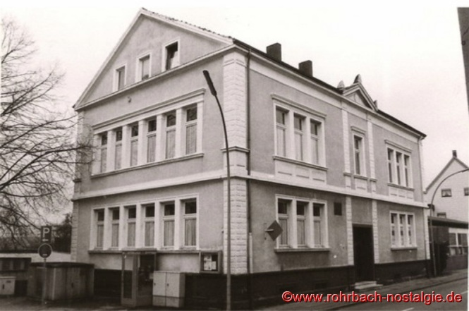 Das Wiesentalschulhaus – Hier findet am 15. Januar 1885 der erste Gottesdienst in Rohrbach statt