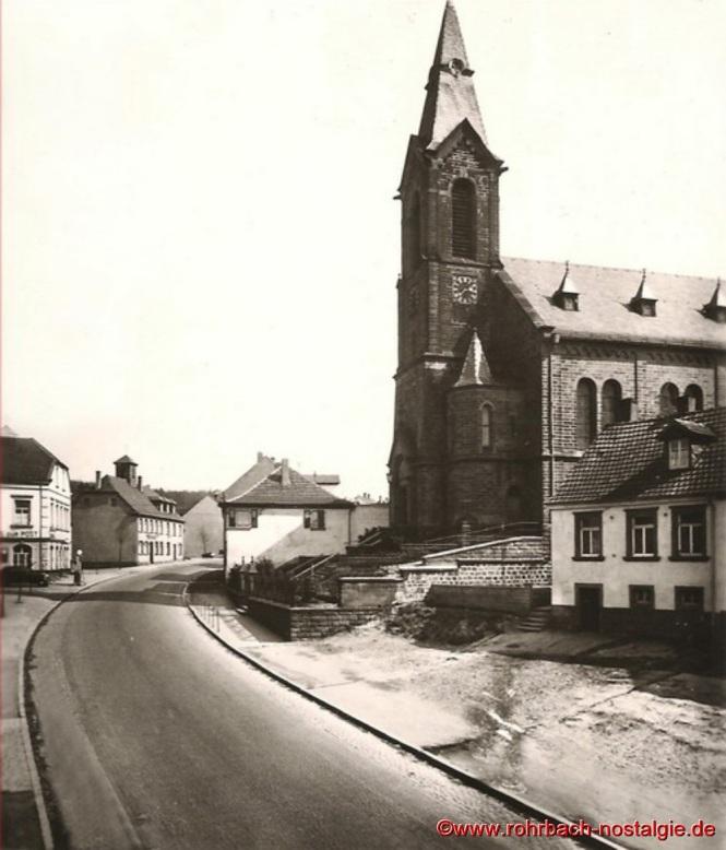 Die Pfarrkirche St. Johannes um 1920