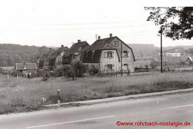 Ehemalige Heckelhäuser in der Mühlstraße vom Autohaus Erich Bender aus gesehen