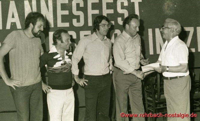 Siegerehrung durch den ersten Vorsitzenden des SV Rohrbach Paul Dohr. Von links: Gerhard Güngerich - Hans Georg Tunnat - Frank Kempf - Helmut Mann - Paul Dohr