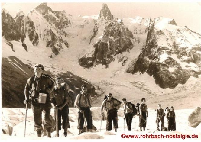 1956 im Montblanc Gebiet – Von links: Werner Michaeli – Manfred Fichter – Berthold Michaeli – Wolfgang Büch – Horst Oberhauser