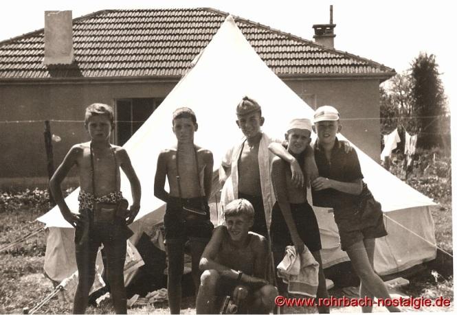 1964 In Granville. Auf dem Foto von links: Donat Mader - Peter Kraus - Georg Eisenla - Markus Klam - Franz Josef Liebl. Vorne Michael Wagner