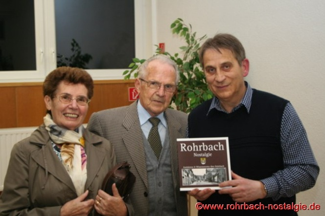 Einer der besten Radrennfahrer des Saarlandes in den 50er Jahren aus Rohrbach, Paul Hemmer mit seiner Frau Gretel.