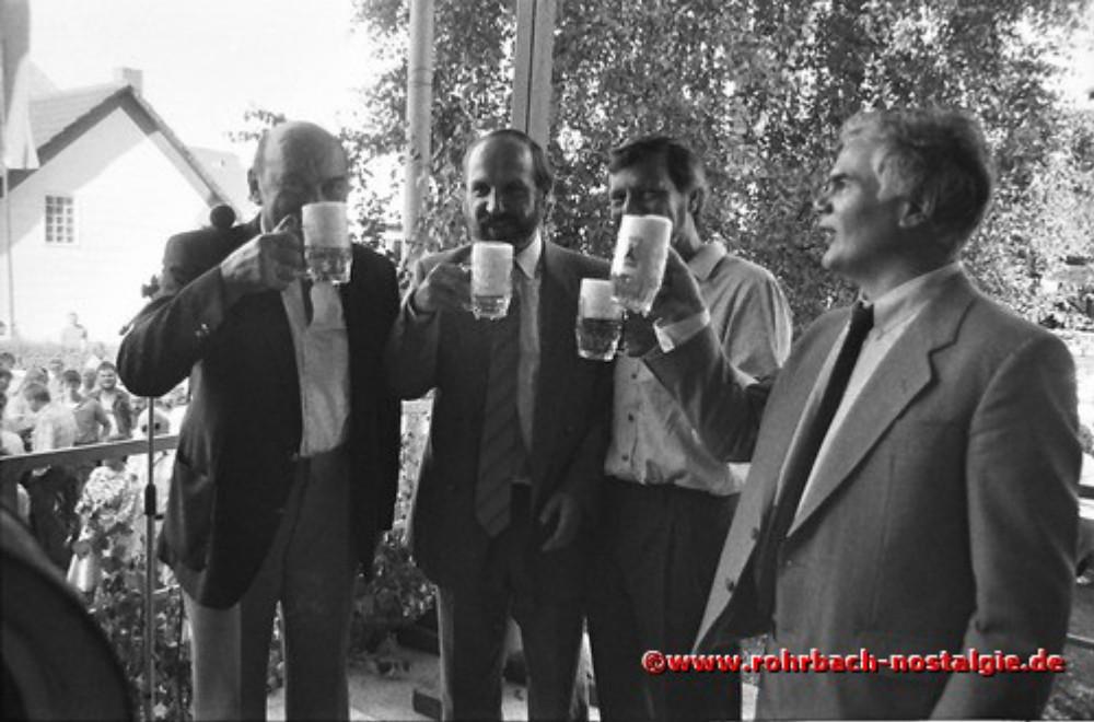 1986 Fassbieranstich durch Altbürgermeister Walter Bettinger (links auf dem Foto). Daneben Oberbürgermeister Dr.Brandenburg, Gisbert Groh und der Bürgermeister von St. Ingbert Günter Scheuer
