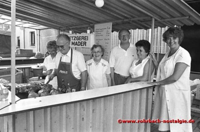 1986 Der Kirchenchor St. Konrad serviert Eisbein